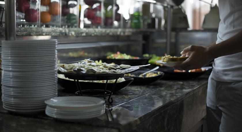 ארוחת בוקר מלון עדן בטבריה