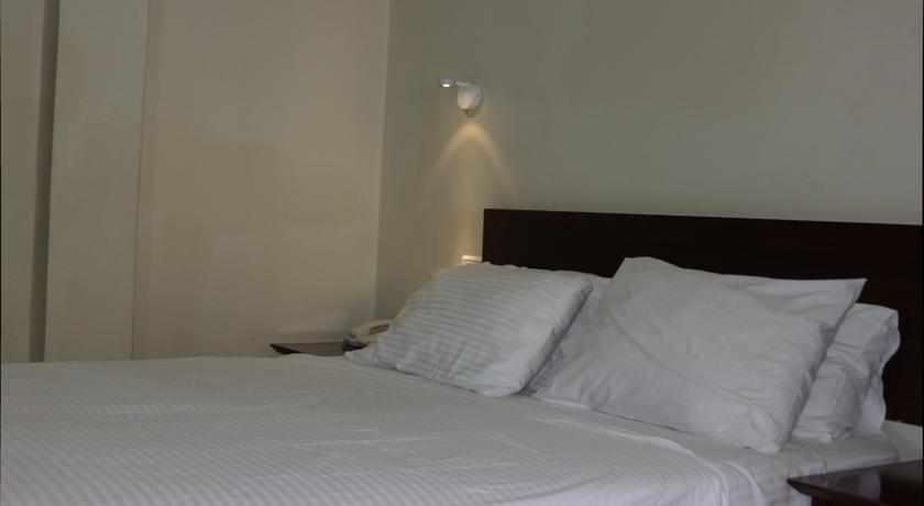 חדר זוגי מלון עדן בטבריה