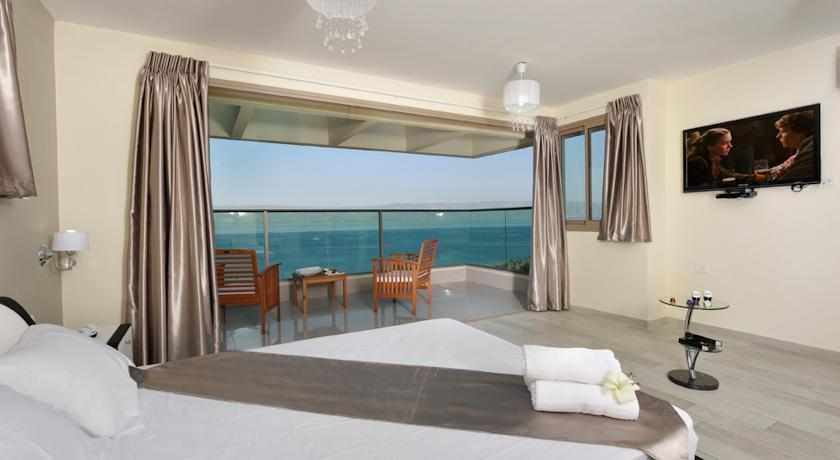 חדר נוף לים מלון נופים טבריה