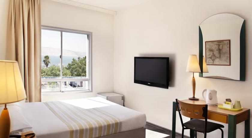 חדר נוף לים מלון ארקדיה טבריה