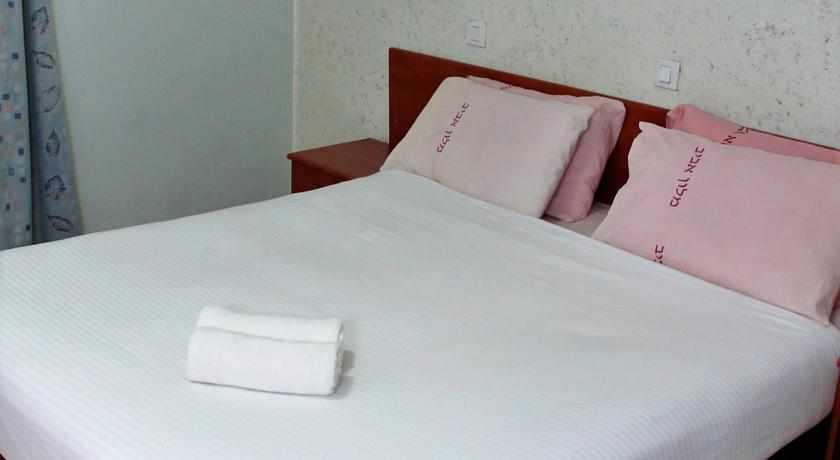 חדר זוגי מלון אביב בטבריה