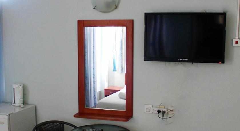 חדר מלון אביב בטבריה