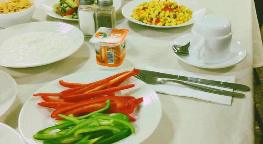 ארוחת בוקר מלון ברגר בטבריה