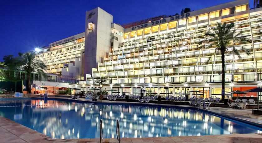 בית מלון קלאב הוטל טבריה