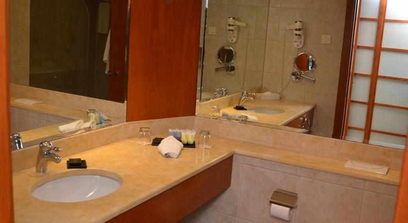 אמבטיה רימונים גלי כנרת טבריה
