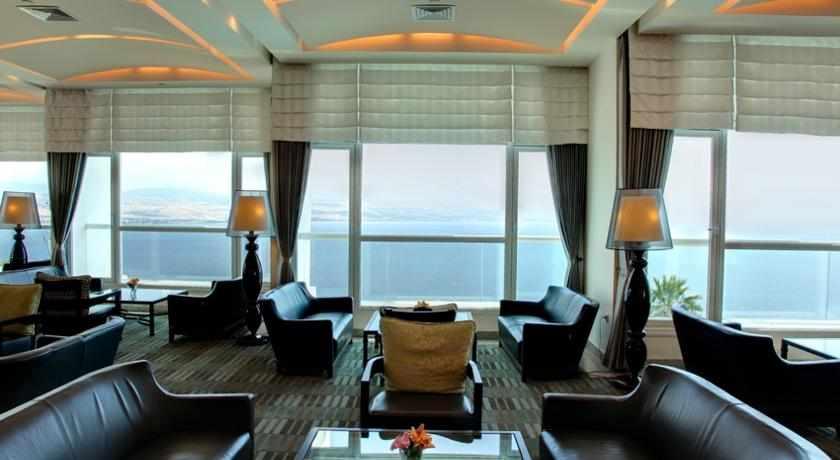 לובי מלון גולן טבריה