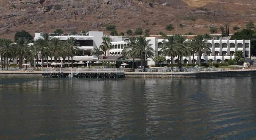 מלון חוף גיא בטבריה