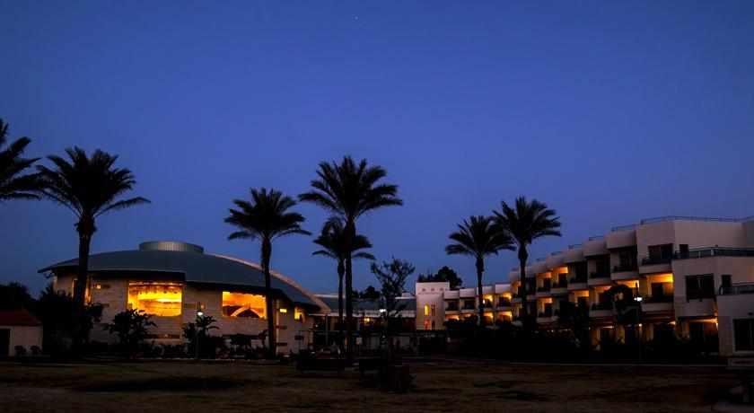 מלון כינר גליל בלילה
