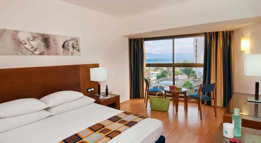 חדר נוף לים מלון לאונרדו טבריה