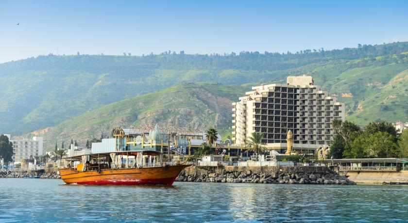 בית מלון לאונרדו פלאזה בטבריה