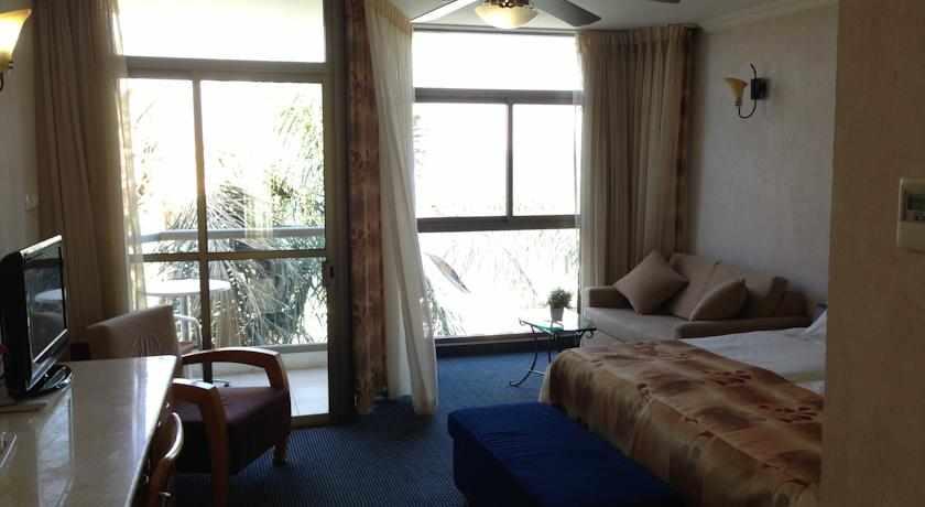 חדרים מלון חוף רון