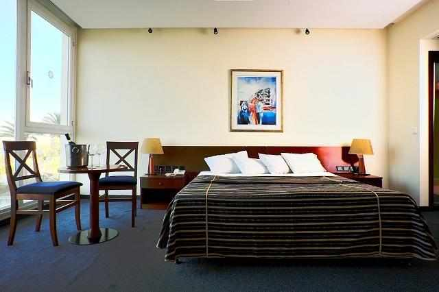 מיטה זוגית המלך שלמה טבריה